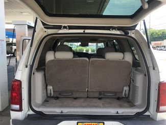 2005 Cadillac-Buy Here Pay Here!! Escalade-3RD ROW-LEATHER- Base-SHOWROOM CONDITION!! Knoxville, Tennessee 21