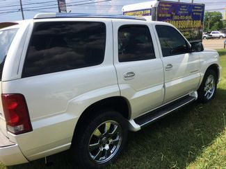 2005 Cadillac-Buy Here Pay Here!! Escalade-3RD ROW-LEATHER- Base-SHOWROOM CONDITION!! Knoxville, Tennessee 2