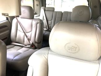 2005 Cadillac-Buy Here Pay Here!! Escalade-3RD ROW-LEATHER- Base-SHOWROOM CONDITION!! Knoxville, Tennessee 13