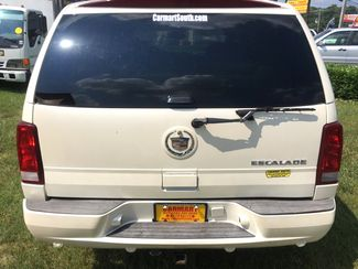 2005 Cadillac-Buy Here Pay Here!! Escalade-3RD ROW-LEATHER- Base-SHOWROOM CONDITION!! Knoxville, Tennessee 3