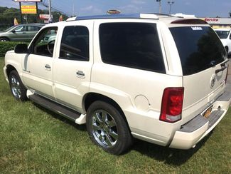 2005 Cadillac-Buy Here Pay Here!! Escalade-3RD ROW-LEATHER- Base-SHOWROOM CONDITION!! Knoxville, Tennessee 4
