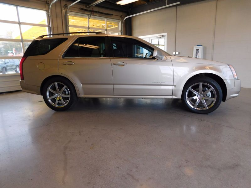 2005 Cadillac SRX   city TN  Doug Justus Auto Center Inc  in Airport Motor Mile ( Metro Knoxville ), TN