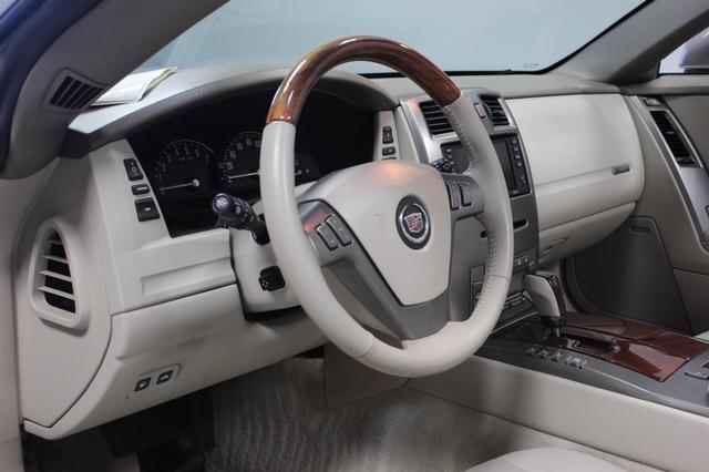 2005 Cadillac XLR Merrillville, Indiana 9