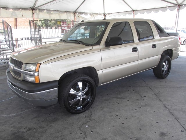 2005 Chevrolet Avalanche Z66 Please call or e-mail to check availability All of our vehicles ar