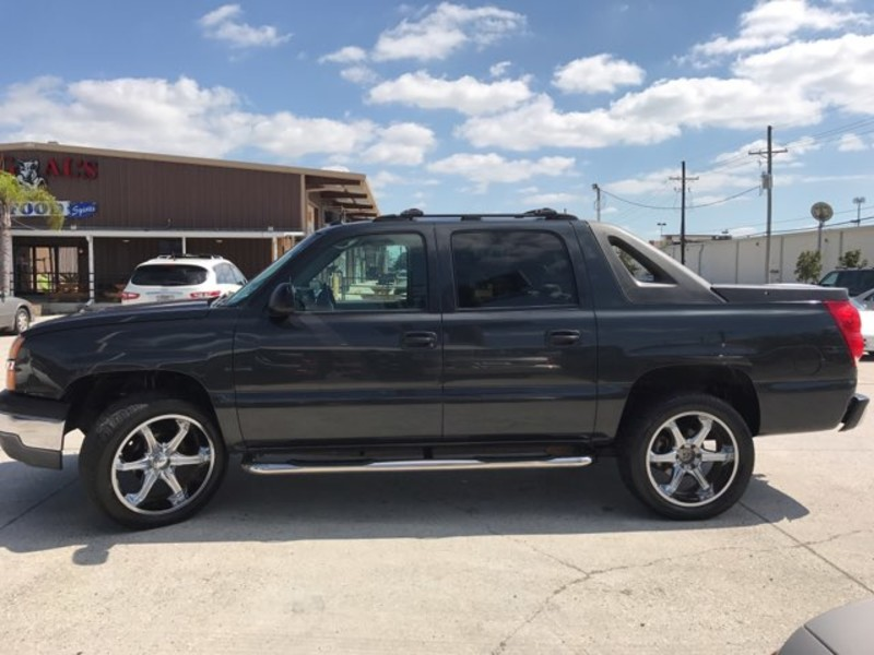 2005 Chevrolet Avalanche LS  city LA  AutoSmart  in Harvey, LA