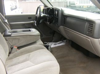 2005 Chevrolet Avalanche LS Los Angeles, CA 6