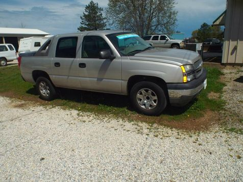 2005 Chevrolet Avalanche LS | Medina, OH | Towne Auto Sales in Medina, OH
