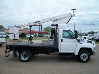 2005 Chevrolet C4500 Bucket Truck Duramax/Allison Waco, Texas 3