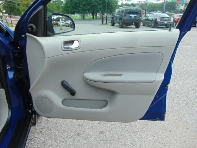 2005 Chevrolet Cobalt Automatic GAS SAVER  in Austin, TX
