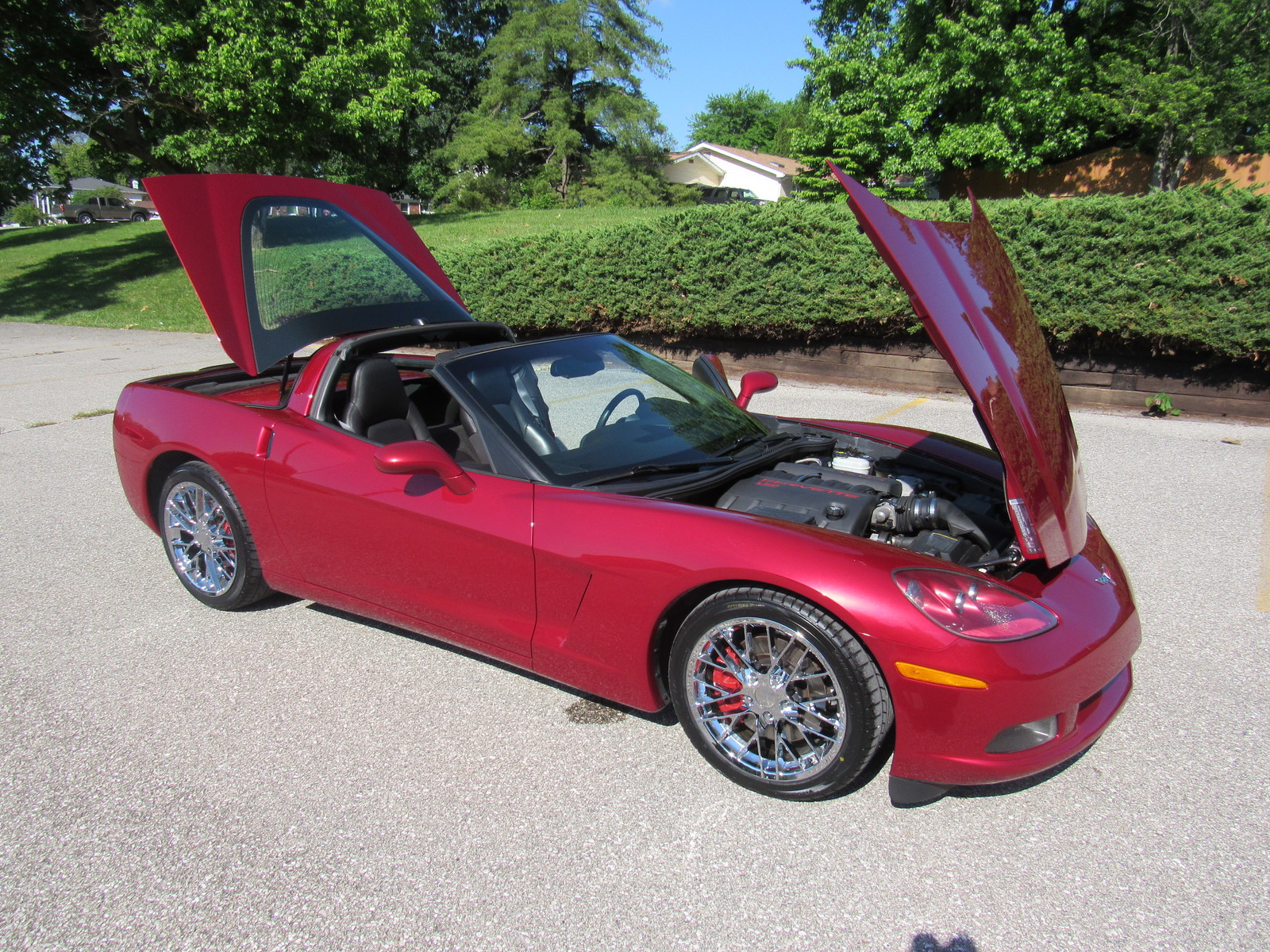 2005 chevrolet corvette coupe magnetic red heads up chrome. Black Bedroom Furniture Sets. Home Design Ideas