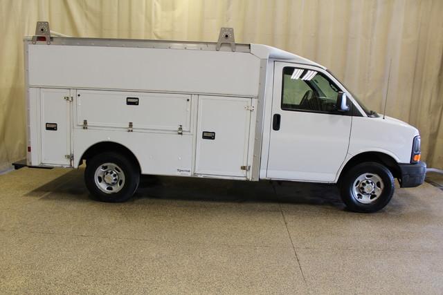 2005 Chevrolet Express Commercial Cutaway cutaway van Roscoe, Illinois 1