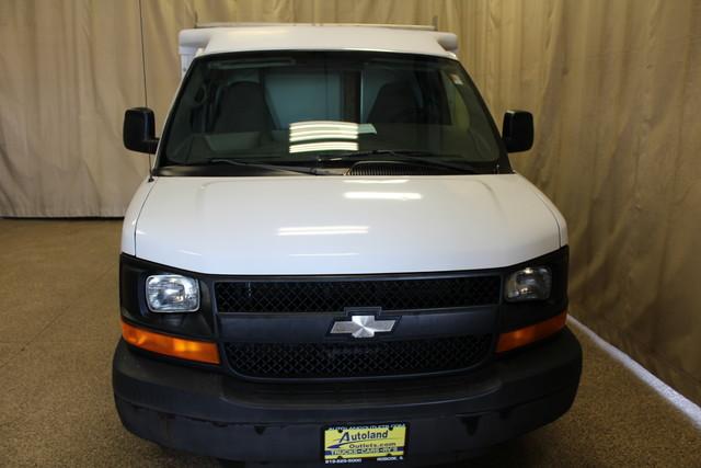2005 Chevrolet Express Commercial Cutaway cutaway van Roscoe, Illinois 3