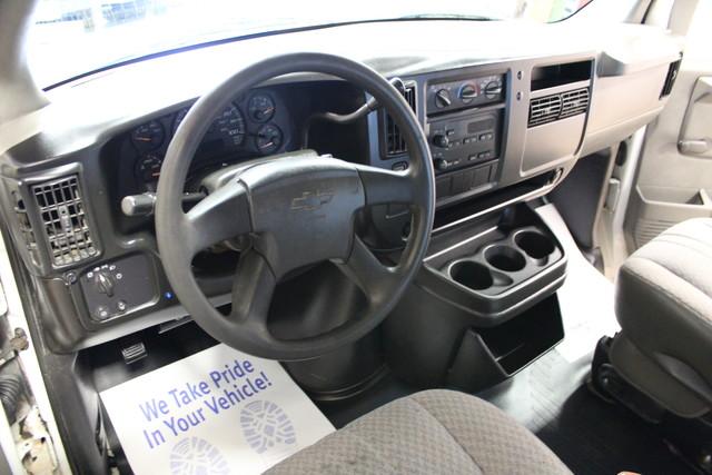 2005 Chevrolet Express Commercial Cutaway cutaway van Roscoe, Illinois 14
