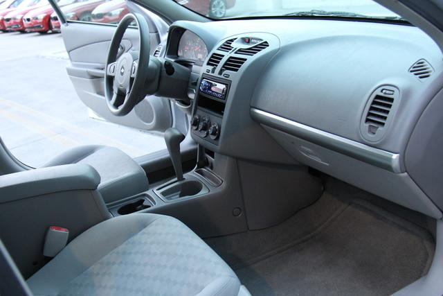 2005 Chevrolet Malibu Base Studio City, California 17