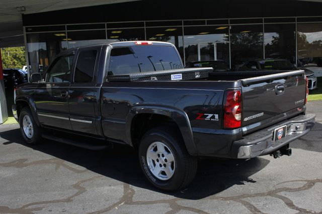 2005 Chevrolet Silverado 1500 Z71 EXT CAB 4X4 - LEATHER BUCKETS - MICHELINS! Mooresville , NC 23