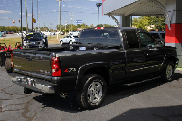2005 Chevrolet Silverado 1500 Z71 EXT CAB 4X4 - LEATHER BUCKETS - MICHELINS! Mooresville , NC 22
