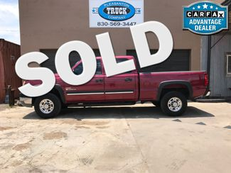 2005 Chevrolet Silverado 2500HD LS   Pleasanton, TX   Pleasanton Truck Company in Pleasanton TX