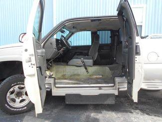 2005 Chevrolet Silverado Handicap Pickup Truck Pinellas Park, Florida 4