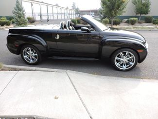 2005 Chevrolet SSR Convertible Only 31K Miles! Bend, Oregon 4
