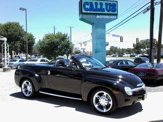 2005 Chevrolet SSR Convertible  1 of 1767 in this color made San Antonio, Texas