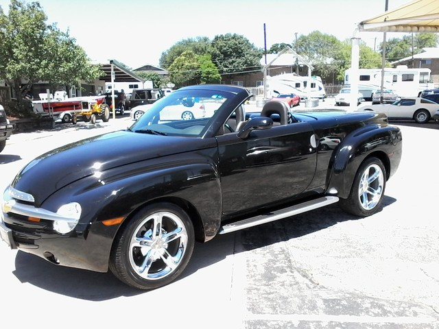 2005 Chevrolet SSR Convertible  1 of 1767 in this color made San Antonio, Texas 2