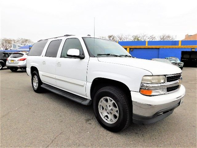 2005 Chevrolet Suburban LT Limited warranty included to assure your worry-free purchase AutoCheck