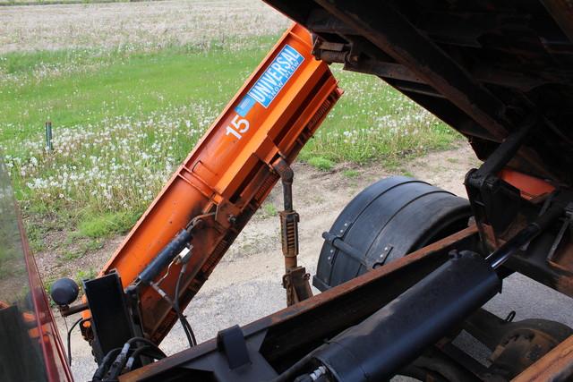 2005 Chevrolet Topkick Snow plow truck/dump Roscoe, Illinois 7