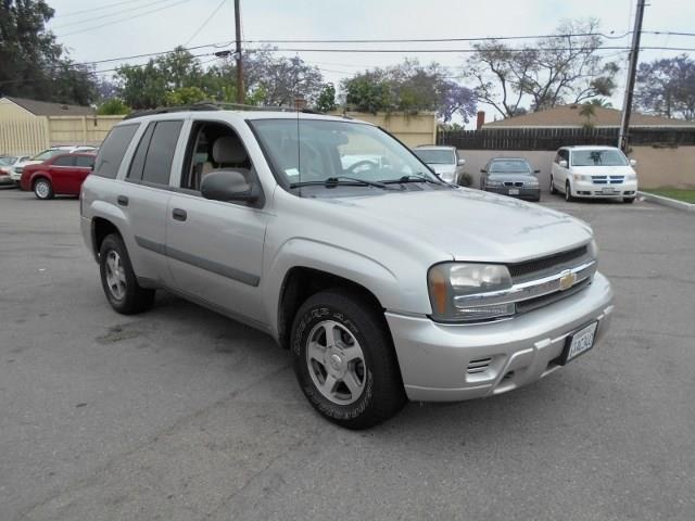 2005 Chevrolet TrailBlazer LS Limited warranty included to assure your worry-free purchase AutoCh