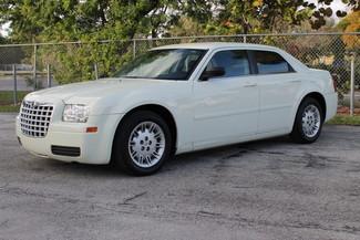 2005 Chrysler 300 Hollywood, Florida 38