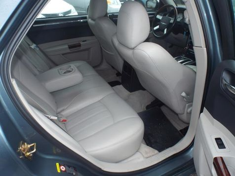 2005 Chrysler 300 300C | Medina, OH | Towne Auto Sales in Medina, OH