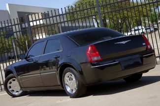 2005 Chrysler 300 1-OWNER * Limited * SUNROOF *Heated Seats *CHROMES Plano, Texas 5