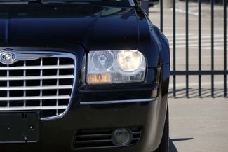 2005 Chrysler 300 1-OWNER * Limited * SUNROOF *Heated Seats *CHROMES Plano, Texas 31