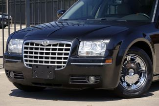 2005 Chrysler 300 1-OWNER * Limited * SUNROOF *Heated Seats *CHROMES Plano, Texas 19