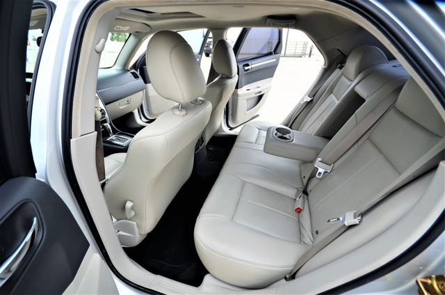 2005 Chrysler 300 Touring Reseda, CA 3