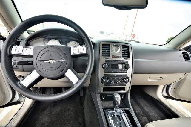 2005 Chrysler 300 Touring Reseda, CA 5