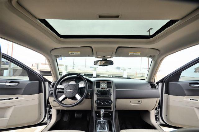 2005 Chrysler 300 Touring Reseda, CA 4