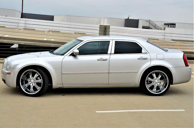 2005 Chrysler 300 Touring Reseda, CA 11
