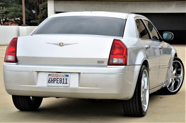 2005 Chrysler 300 Touring Reseda, CA 1