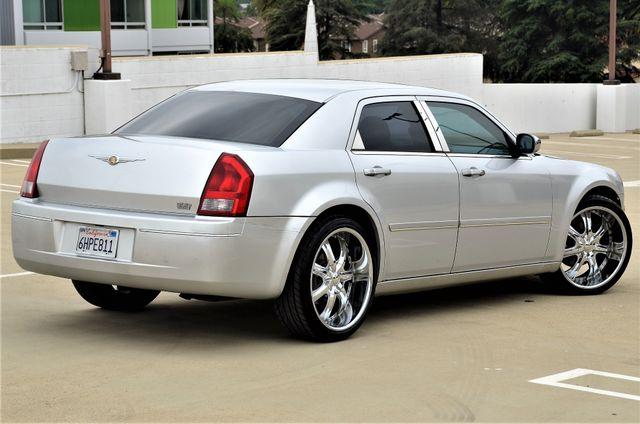2005 Chrysler 300 Touring Reseda, CA 7