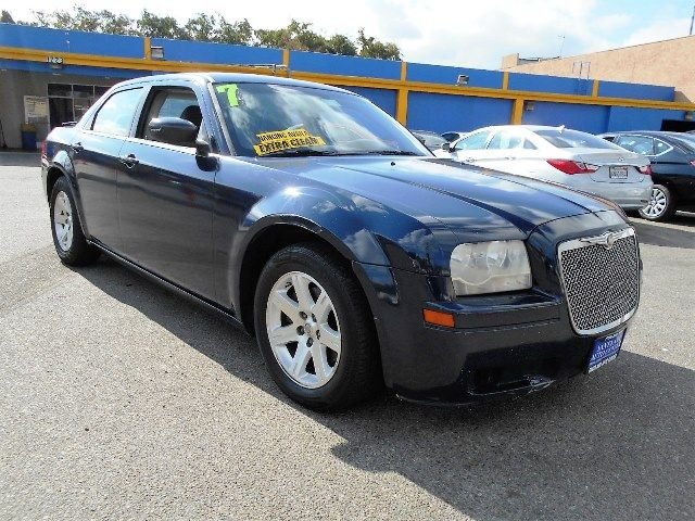 2005 Chrysler 300 Limited warranty included to assure your worry-free purchase AutoCheck report i