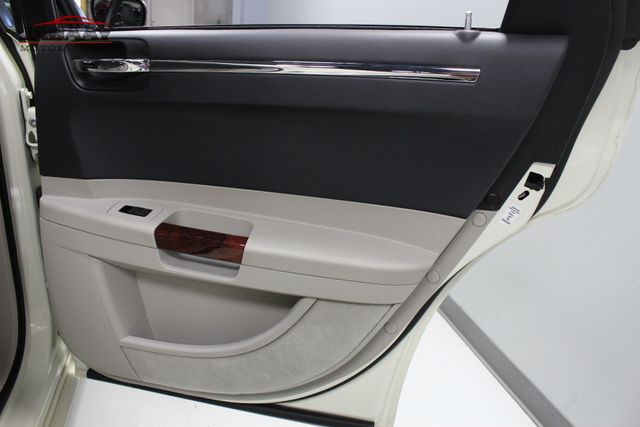 2005 Chrysler 300C Merrillville, Indiana 27