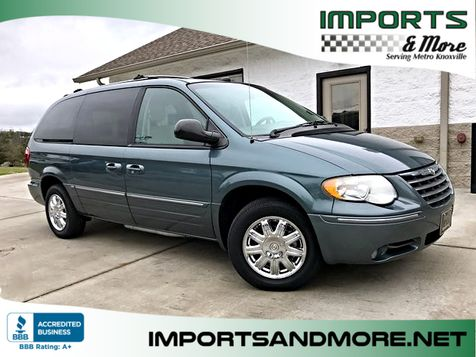 2005 Chrysler Town & Country Limited in Lenoir City, TN