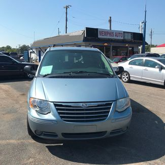 2005 Chrysler Town & Country Touring Memphis, Tennessee 1
