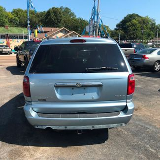 2005 Chrysler Town & Country Touring Memphis, Tennessee 3