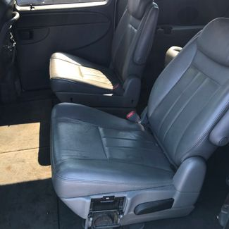 2005 Chrysler Town & Country Touring Memphis, Tennessee 7