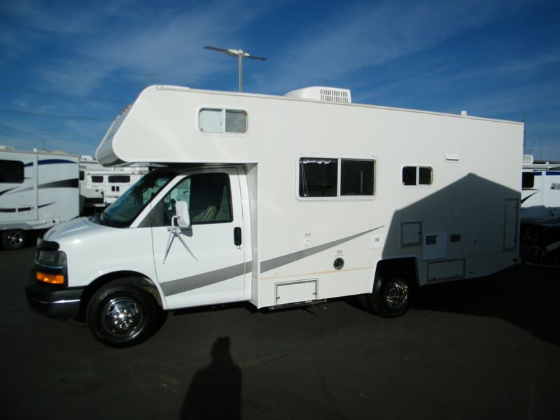 2005 Coachmen Freedom 200RB Class C Motorhome  in Surprise, AZ