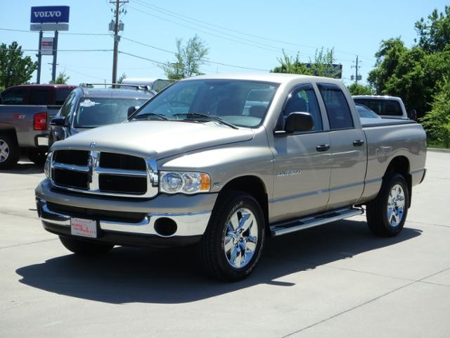 2005 Dodge Ram 1500 SLT 4WD in Des Moines IA