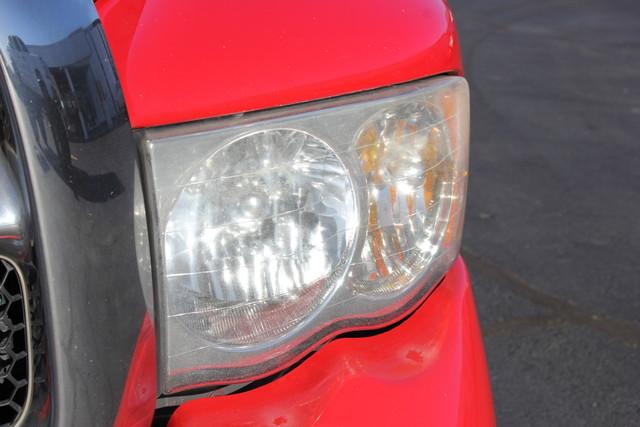 2005 Dodge Ram 1500 SLT Reg Cab RWD - ONE OWNER! Mooresville , NC 35