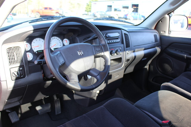 2005 Dodge Ram 1500 SLT Reg Cab RWD - ONE OWNER! Mooresville , NC 5