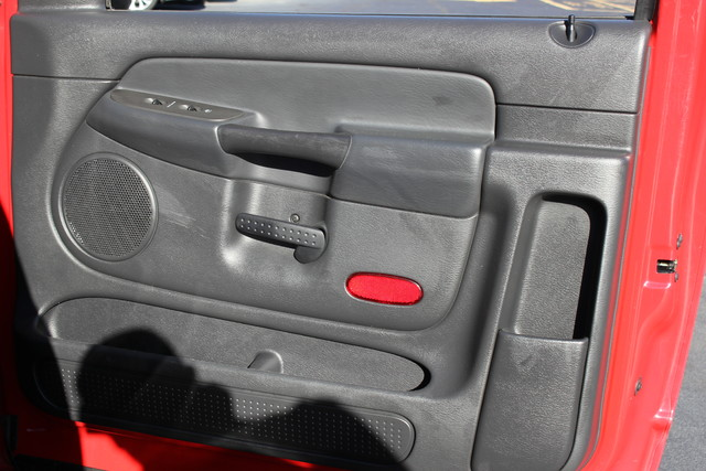 2005 Dodge Ram 1500 SLT Reg Cab RWD - ONE OWNER! Mooresville , NC 52